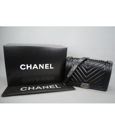 CHANEL BOY CHEVRON MEDIUM %100 hakiki deri