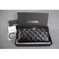 CHANEL CAVİAR LEATHER WALLET